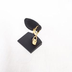 南京錠 鍵 スナップリング フープ ゴールド 金 GOLD ピアス 1947