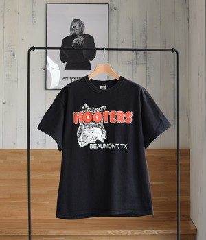 USED T-shirt -HOOTERS-