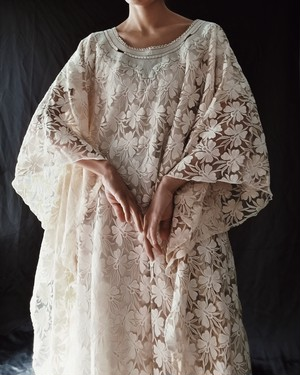 EUROPE VINTAGE / ALL LACE ETHNIC DRESS.