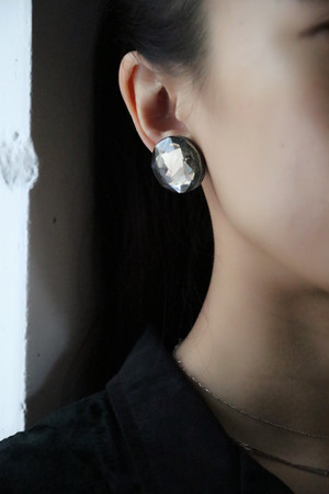 dead stock round earrings