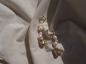 gold fresh pearl pierce/earrings