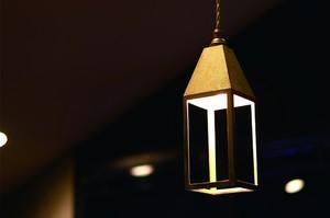 真鍮鋳肌のランタンランプ 吊り型 (FUTAGAMI)
