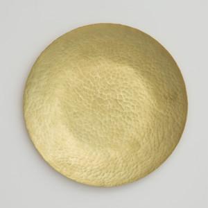 食卓を豊かに彩る真鍮プレート