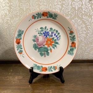 ハンガリー   ピンクの薔薇と赤い花の飾り皿