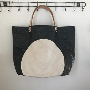 untidy plastic bag black2