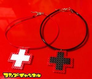 赤十字チョーカー