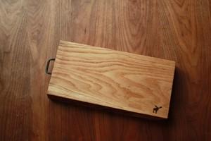 【一点モノ】銘木無垢+手打ちアイアン金具のカッティングボード / ウッドプレート 【オーク005】
