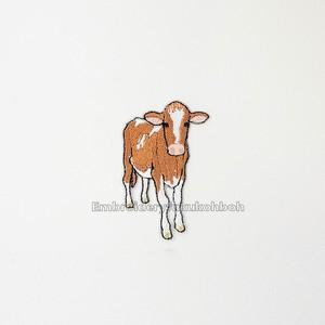 レッドホルスタインの子牛 牛 刺繍ワッペン