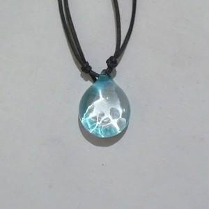 光の模様のペンダント(淡い青)No11
