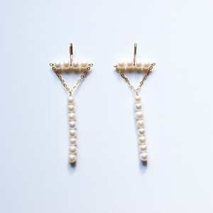 Triangle Pierced Earrings|Freshwater Pearl, 14KGF