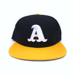 "ADOOM ""A""logo SnapBack cap ブラック x イエロー"