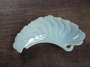 青磁いちょう皿