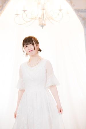 【白ワンピ】小野芹菜チェキ