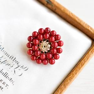 【ブローチ】赤珊瑚 レトロなお花・還暦祝いにも大人気
