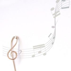 K10 / ピアス (片耳) / ト音記号ロングポストピアス