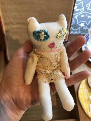 kyoron チビ白ネコ お人形