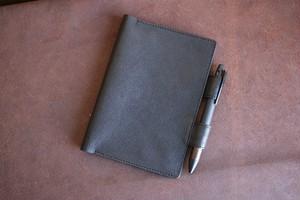 シボの入った牛革の黒い手帳カバー