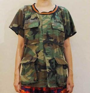 S~XLサイズ【アメリカ製古着】【オリジナルリメイク】ガーリーな雰囲気のミリタリーカモフラージュシャツ