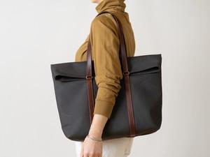 革と帆布のトートバッグ チャコールカーキ
