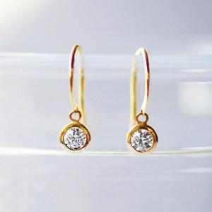 K18 耳元で揺れるダイヤモンド ピアス 0.1ct x2