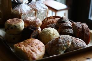 抽選販売:【7月25日〜7月28日発送分】自家培養酵母パンと発酵菓子詰め合わせ