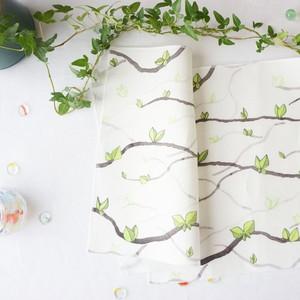 322 ミニクロス Hillis(新緑の枝)