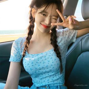 【トップス】韓国系小柄若見えスリム細見せスクエアネックショート丈半袖Tシャツ