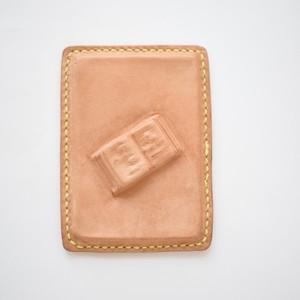 rea 立体ブックの革カードケース