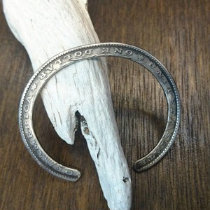 MORGAN DOLLAR FLAT BANGLE  N-427