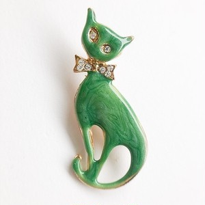 green cat brooch[b-227]