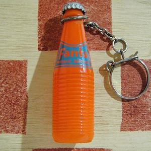 ドイツ Fanta[ファンタ]ガラス製ミニチュアボトル フランスキーホルダー