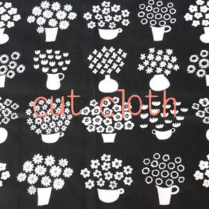 【カットクロス】flower base - small(black)オーガニックコットン サテン(69×43cm)