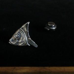 LAPEL PIN -herring-  魚(ニシン)のラペルピン=ピンバッジ シルバー製