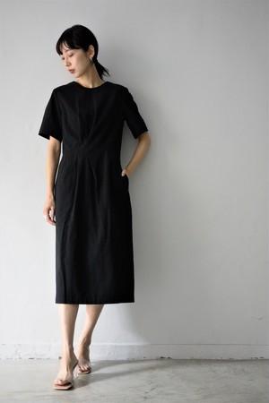 BELPER / TUCKED DRESS (black)