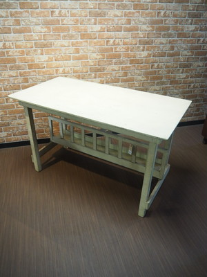 品番0768 机 / Barn Table