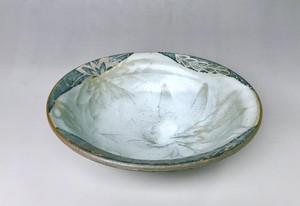 抜き花弁紋中鉢