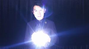 イルミネート illuminate 超小型ストロボ照射ディバイス!