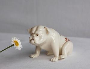 ARCADIAN CHINAの犬のオブジェ