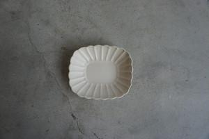 中坊 優香 輪花なで角浅鉢 白