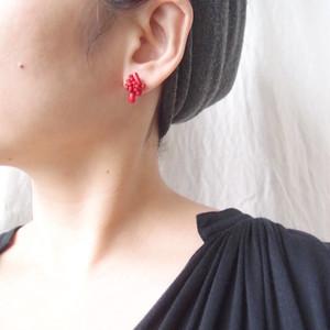 【天然石の刺繍ピアス】red coral mix