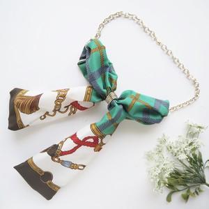 ヴィンテージスカーフのネックレス