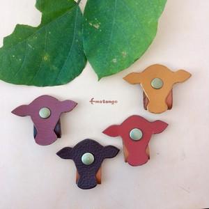 ◆牛好きのための◆コードホルダー ケーブルクリップ 【本革】プレゼント 絡みやすい ネックレスをまてめても♪