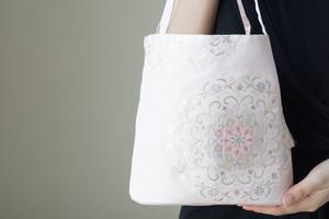 【薄桜色 華紋様 シルク帯 コロンとしたミニバック】日常使い、結婚式、パーティーに。