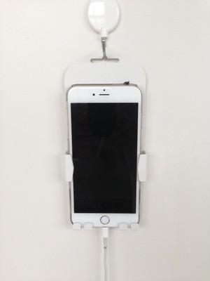 iPhone8Plus対応 壁掛けホルダー 〚特許取得商品〛