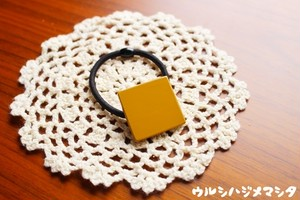漆のヘアゴム【黄】(四角・大)/  Square-shaped hair elastic in yellow URUSHI[L]