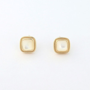Mother of pearl square pierce