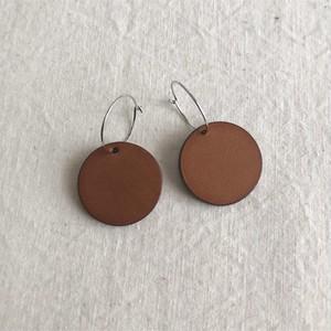 hoop-pierce / light brown