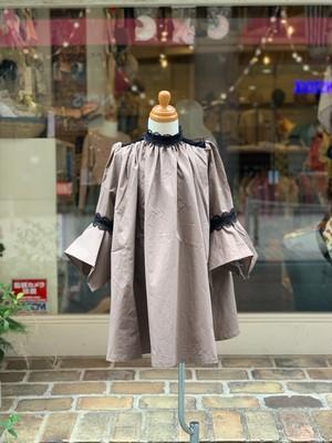 KIDS:melt【メルト】クラシカルスモックドレス(ベージュ/100〜120cm)ワンピース
