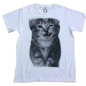 ニヒルな笑み かわいいネコ おもしろデザイン 動物Tシャツ