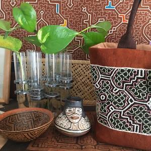 ミニシピボ壺 アマゾン シピボ族の工芸 焼き物